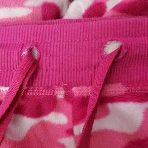 Intimates & Sleepwear - ☀️**3 for $10**☀️ Fleece Sleep Pants Pink Camo XL
